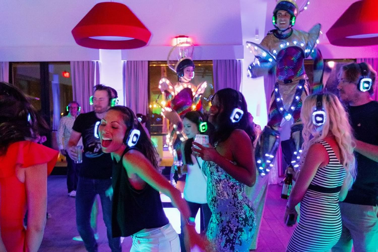 Top 5 Reasons to Have a Silent Party - Silent Party USA